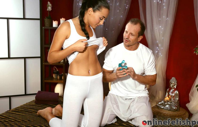 Massagerooms.com – George on Anna Anna Rose & George Uhl 2016 Pussy Licking