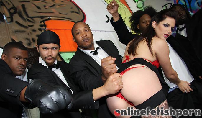InterracialBlowbang.com – Bobbi Starr Bobbi Starr 2009 Pantyhose / Stockings