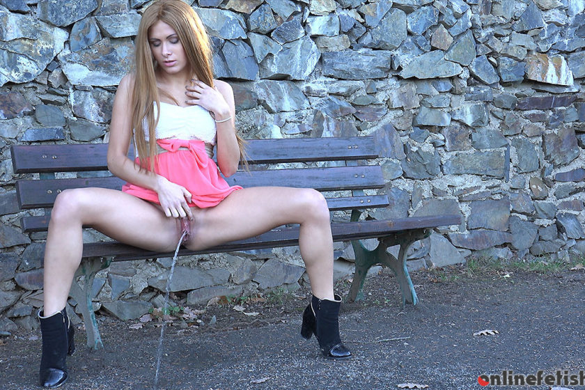 Got2pee.com – Redhead Pissing  2015 Sitting