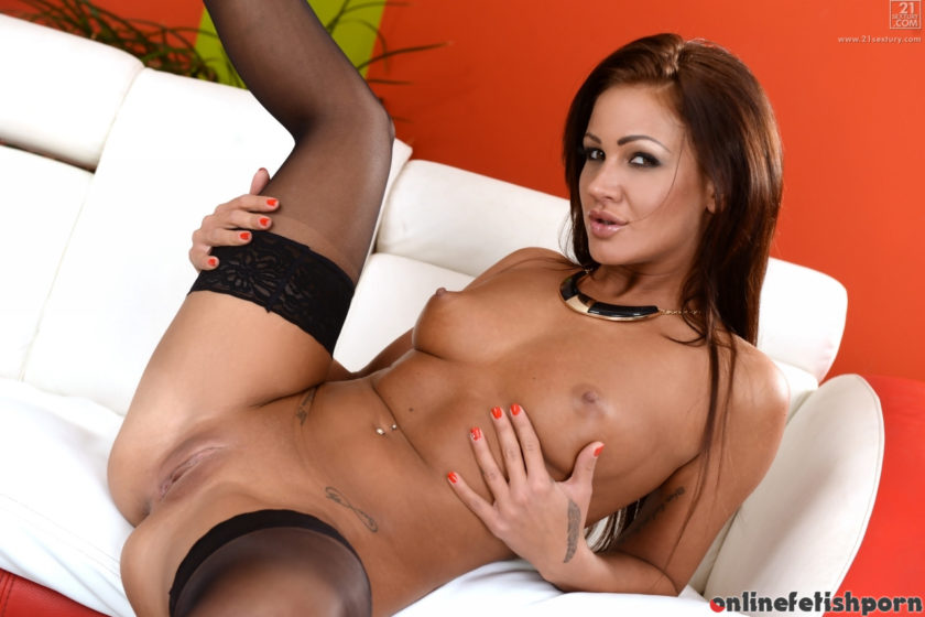 21sextreme.com – The Booty Call Nia Black 2015 Old-young