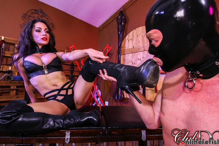 Clubdom.com – A Good Boot Bitch Cleo 2017 Boot Worship