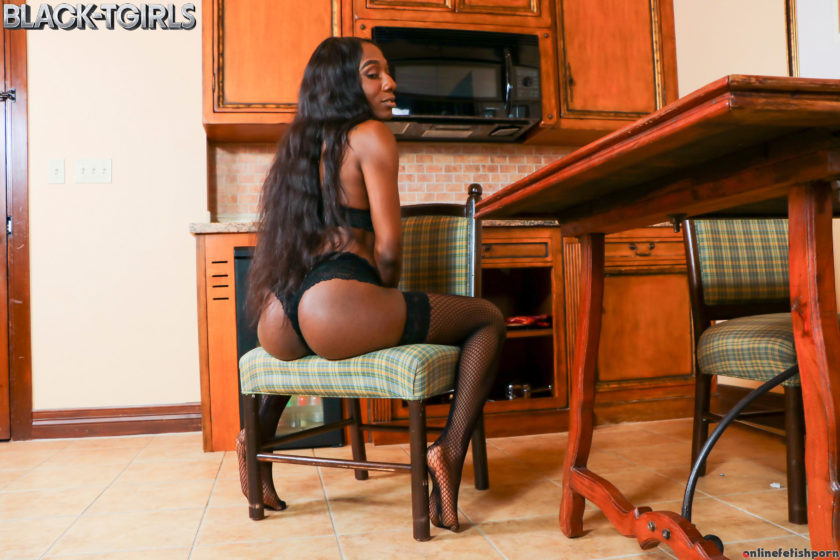 Blacktgirls.com – Coco's Saturday Fun! Coco 2018 Transsexual