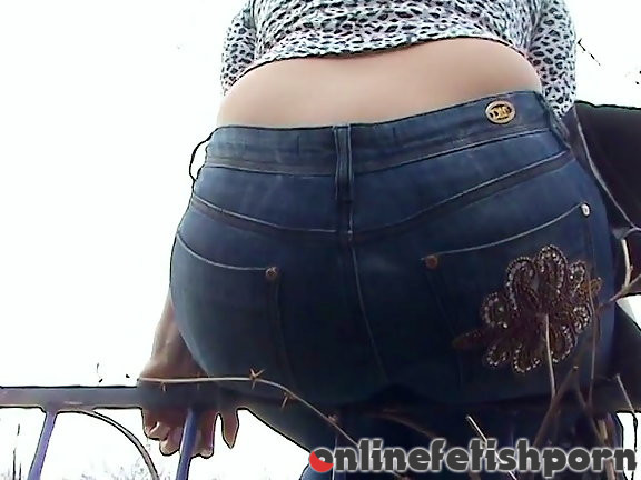 Upskirtcollection.com – jeans movie  2009 Ass In Jeans Pic